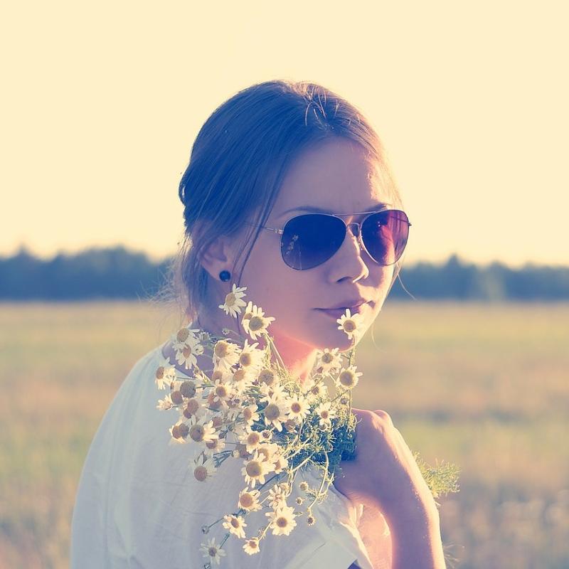 太陽眼鏡不是顏色越深越好!選錯也有可能造成白內障