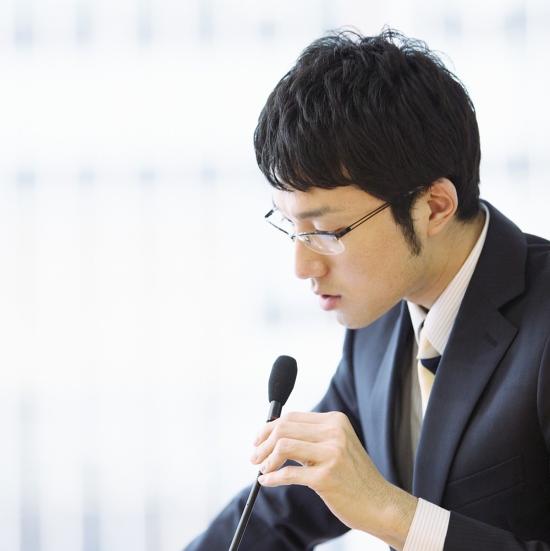 在公開發言中,男性為什麼更加喋喋不休?