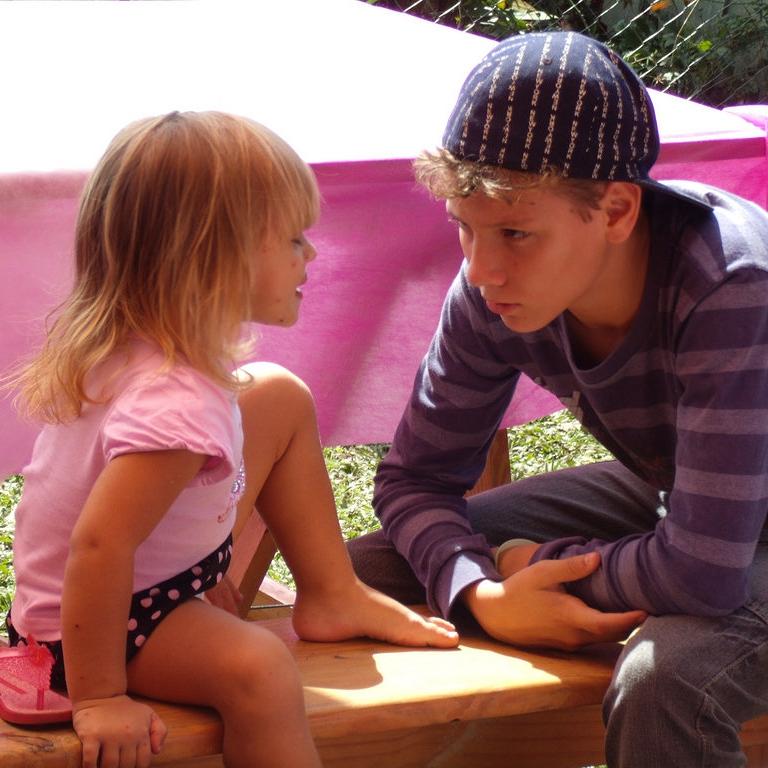 小孩學習力像吸水海綿?事實上大人學語言比較快!